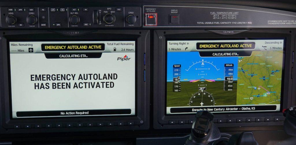 Autoland установленный в кокпите Piper M600